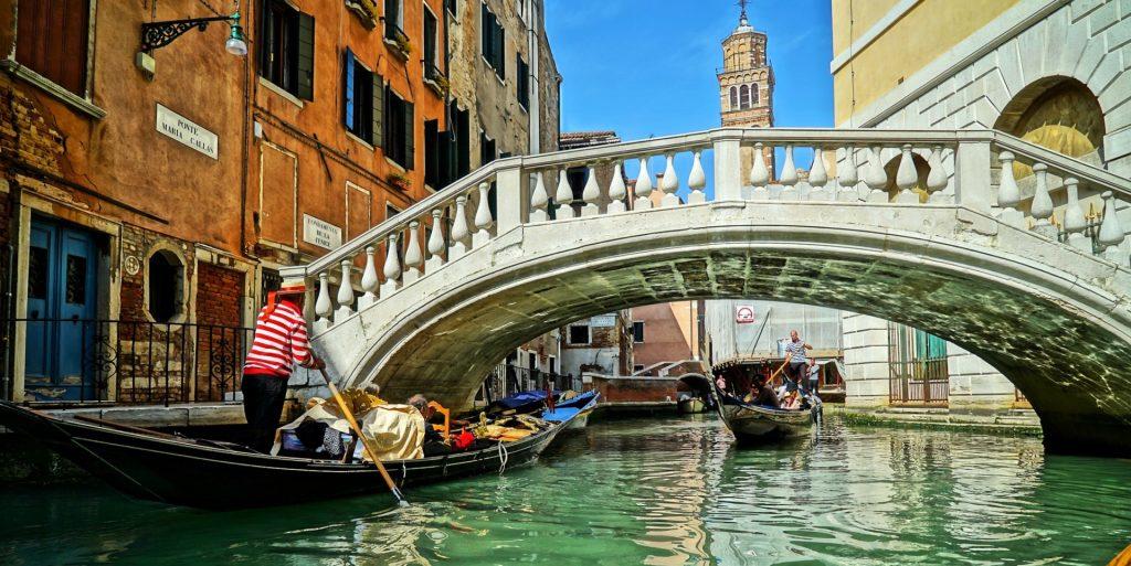 venedig gondol panorama 1024x513 - Venedig